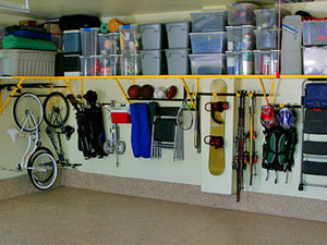 Totes Like Rubbermaid Or Sterilite With Lids Garage Organization
